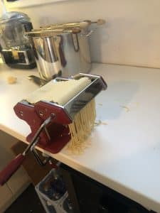 Glutenfreie Zubereitung von Pasta mit Mantler Mehl